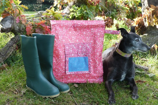 boot bag in cerise blossom design with lurcher